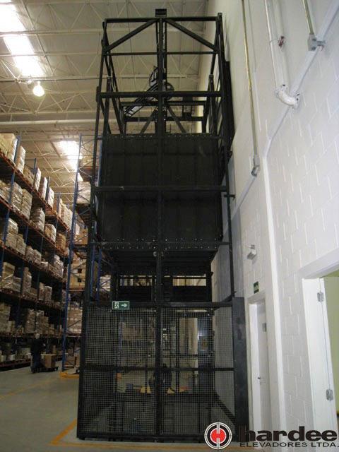 Elevador de carga hidráulico