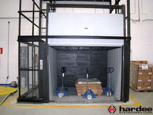 Venda de elevador de carga