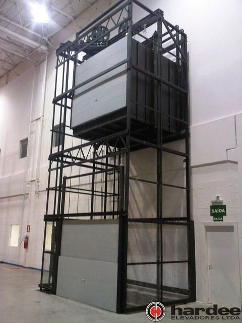Elevador de carga comercial